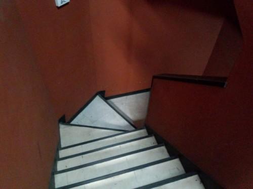 階段で苦戦中