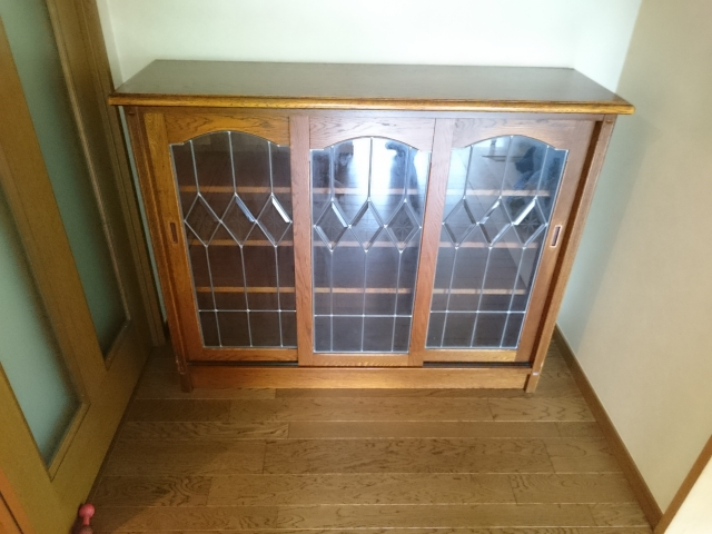 小さな食器棚