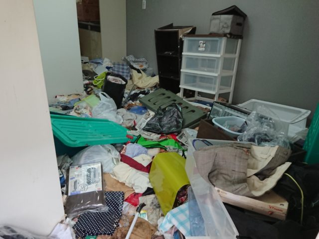 部屋の中 中野区 ゴミ屋敷