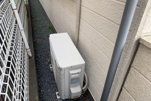 エアコンの無料回収と取り外し(有料)でしています。